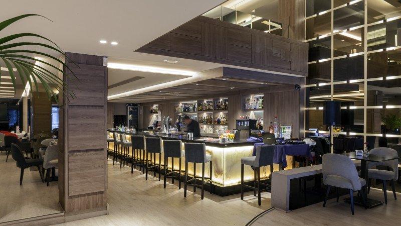 La Tertulia Bar