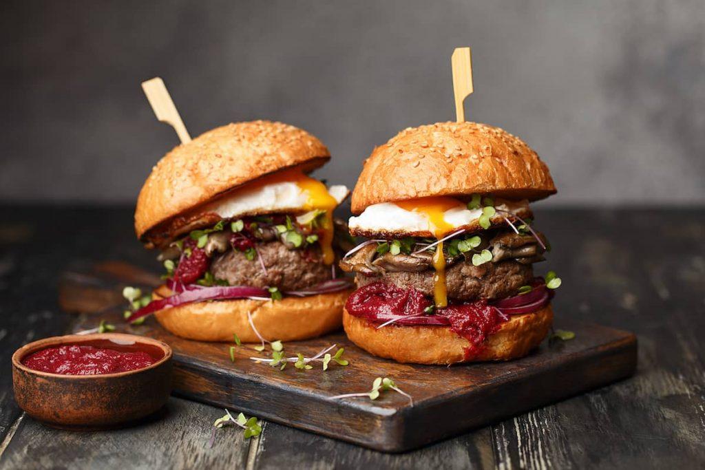 Cuatro hamburguesas muy top para celebrar su día